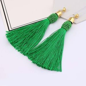 NWT Rayen Bohemian Green Tassel Earrings